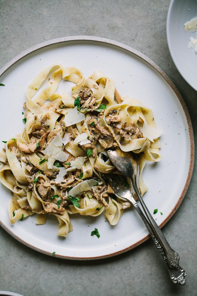 Slow Cooker Chicken Mushroom Pasta